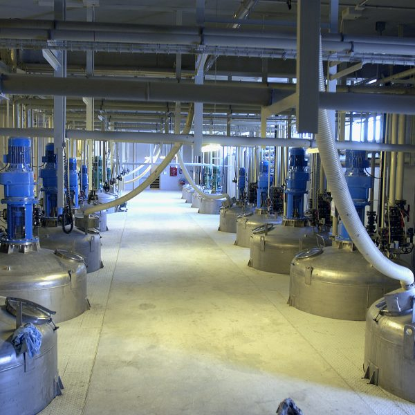 Il controllo qualità chimico nel mercato Chimico e Petrolchimico